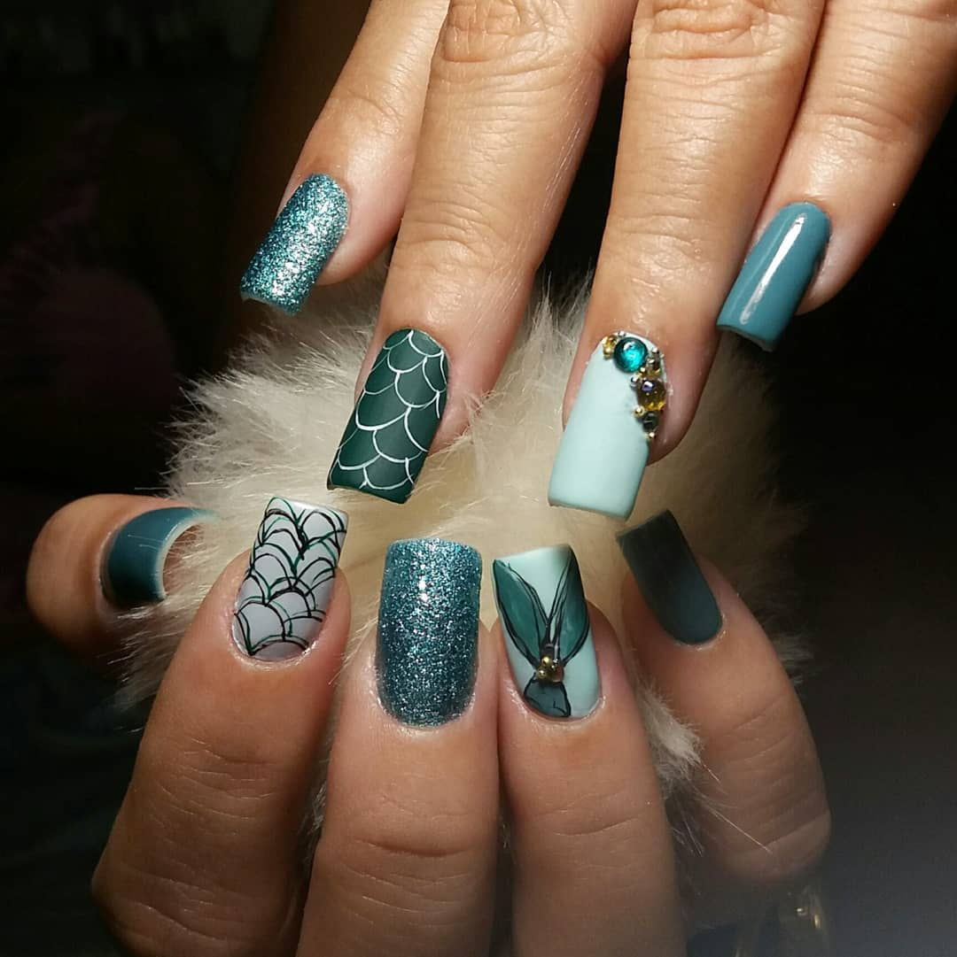 https://www.instagram.com/p/BfvUmp6jgwA/?tagged=nailsart